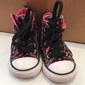 Converse toddler size 5 high top sneakers